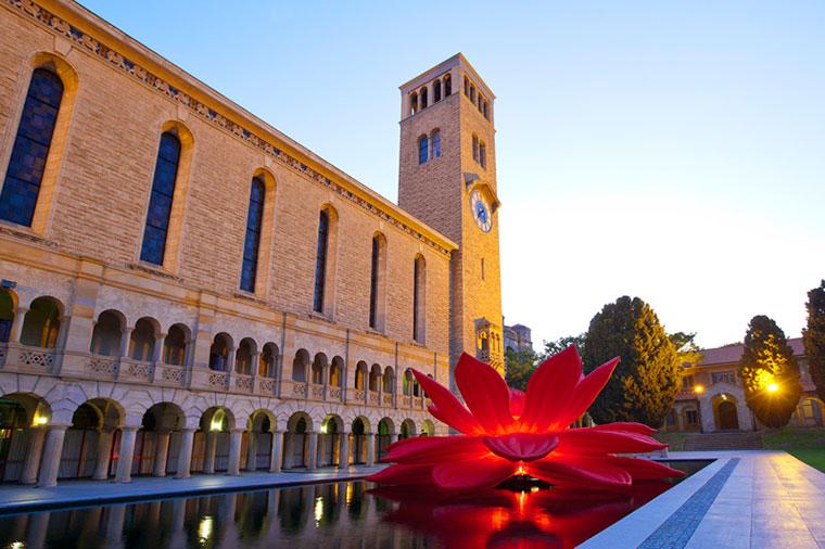 UWA et et av Australias eldste universiteter. Bilde er hentet fra www.uwa.edu.au/
